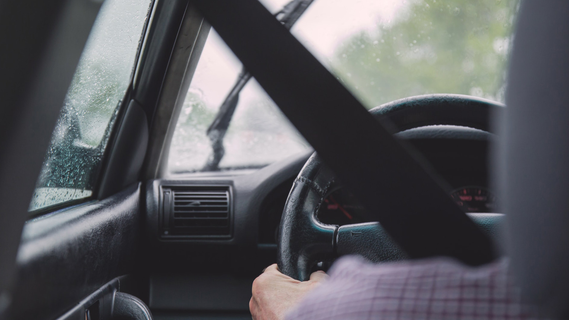 Noguruši autovadītāji apdraud satiksmes dalībniekus