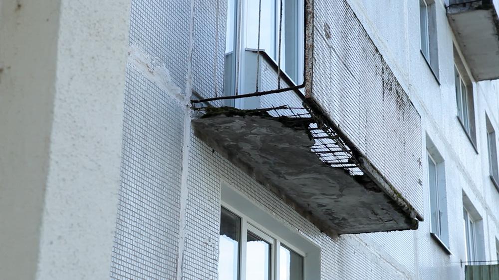 Ogrē māju tehnisko stāvokli pēta ar dronu