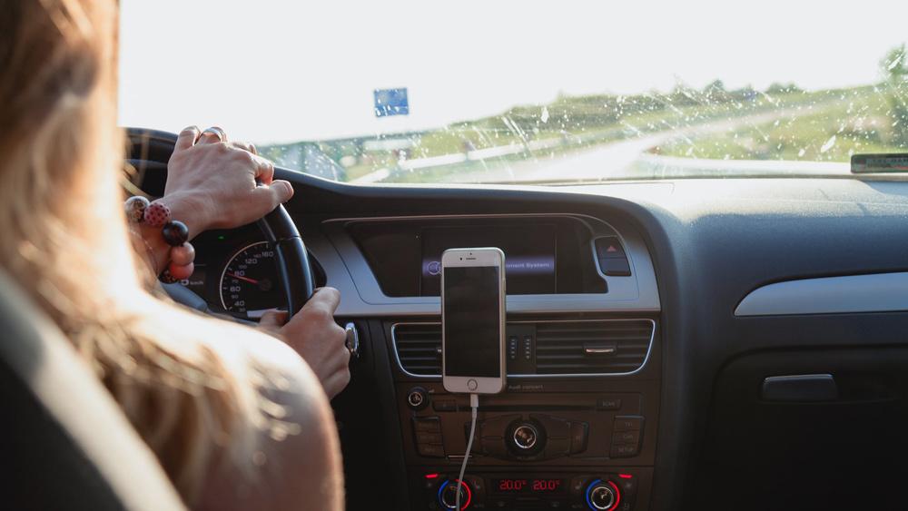 Puse autovadītāju neved līdzi saskaņoto paziņojumu