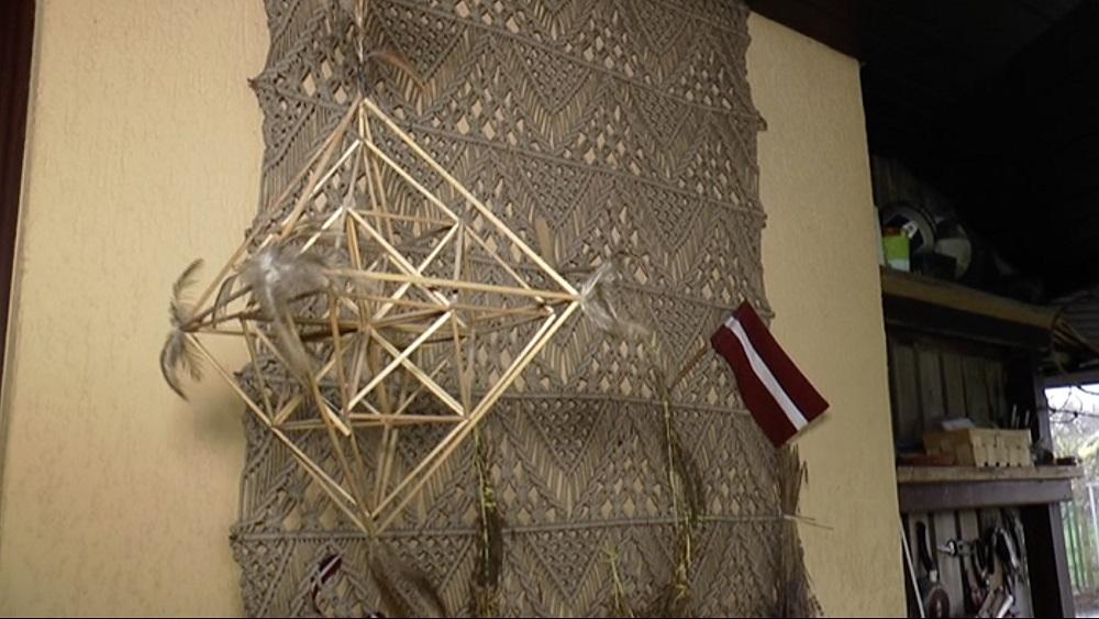 Ausmas Spalviņas puzuri Ziemassvētku izstādē Atlantā