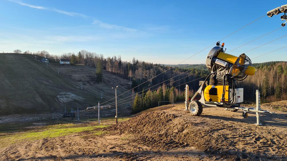 Latvijas slēpošanas trases būs atvērtas jau šajā nedēļas nogalē; būs ierobežojumi