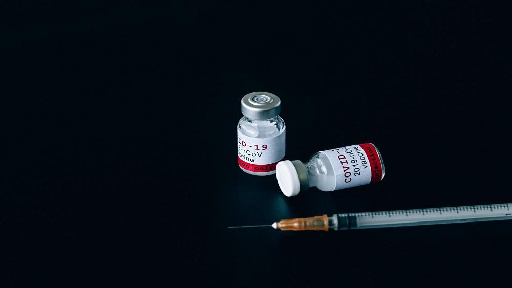 Daugavpils slimnīcā Covid-19 vakcinācijai atsaucas 10% personāla