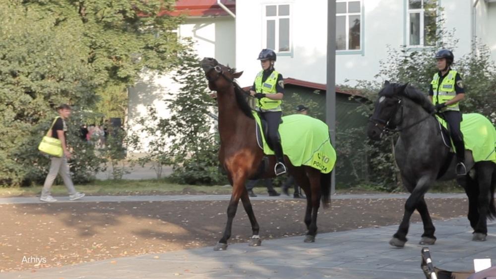 Policijas zirgu patruļa Ogrē