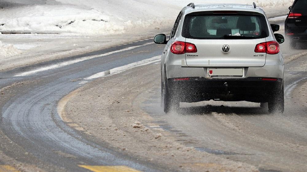 Rīgā netiek galā ar sniegu; kāda ir situācija Vidzemē?