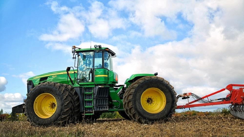 Traktortehniku zog mazāk, biežāk veic krāpniecību