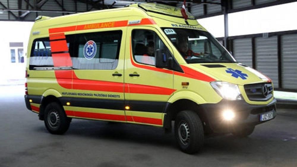 Īpaša ārstu speciālistu brigāde glābj vismaz viena cilvēka dzīvību dienā