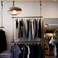 Darbu atsāk arī mazie veikaliņi Kuldīgā un Skrundā