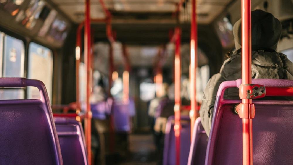 Autobusu parku vadītāji satraukti par darbinieku drošību