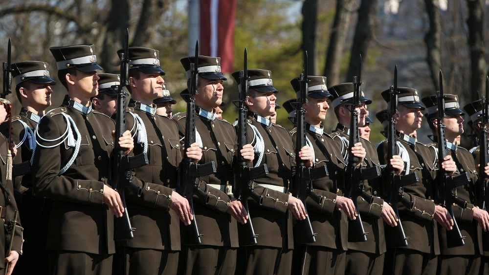 Valsts svētkos atkal bez militārās parādes
