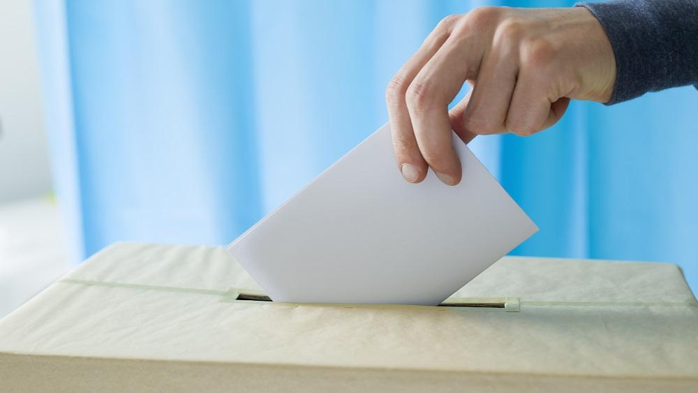 Vēlēšanu iepriekšējā balsošanas dienā atdotas pirmās balsis