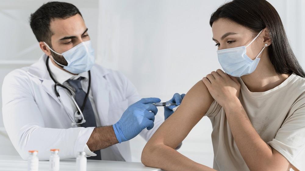 Grib saņemt viltotus apliecinājumus par vakcināciju pret Covid-19