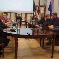 Korupcijas skandāla dēļ Preiļu novada domē līdzšinējo priekšsēdētāju Marutu Plivdu atstāj opozīcijā