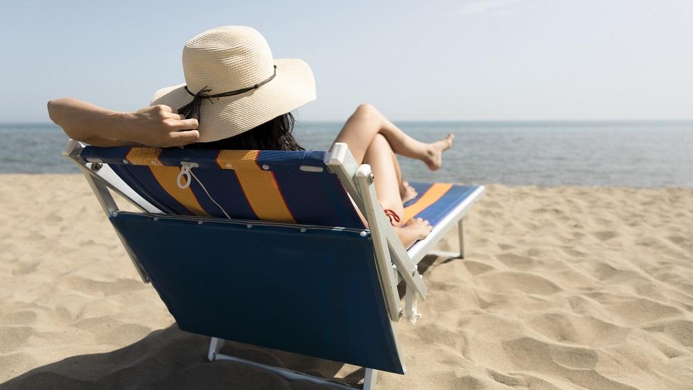Jāuzmanās no stiprā saules starojuma un karstuma
