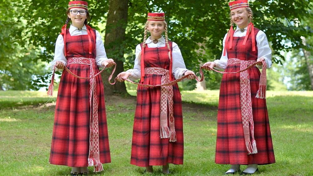 Lielvārdes tautas tērps – nemateriālais kultūras mantojums