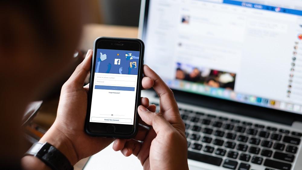 """""""Facebook"""" klejo populārākie vīrusi; iesaistītie netiek no tā vaļā"""