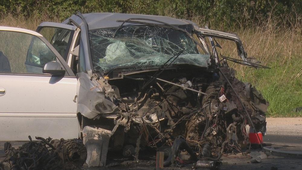 Smaga avārija uz Daugavpils šosejas - viens bojāgājušais un viens cietušais