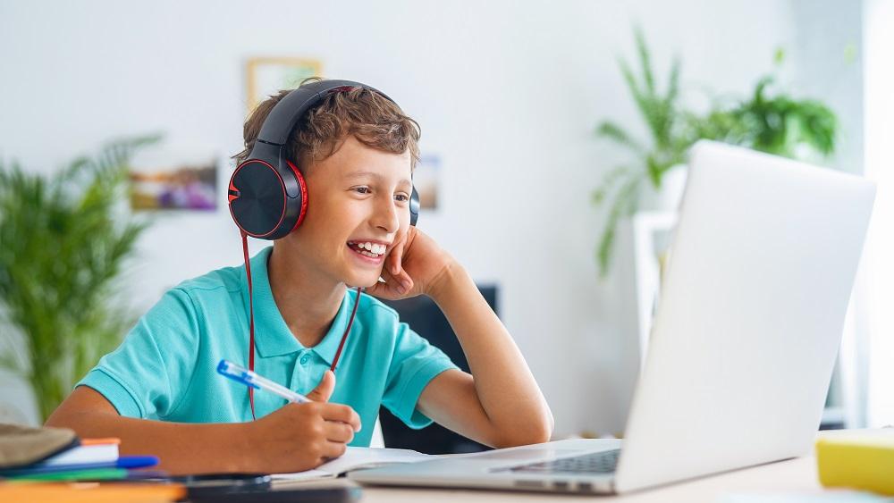 Pieaug interese par tālmācības skolām