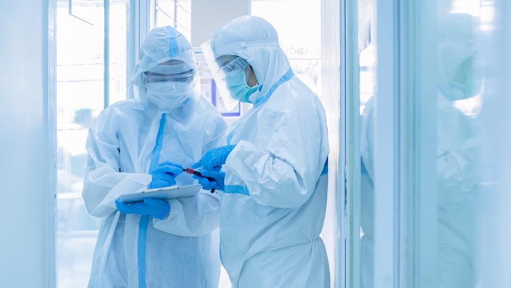 Mediķi pieprasa nekavējoties rīkoties, lai ierobežotu Covid-19 izplatību