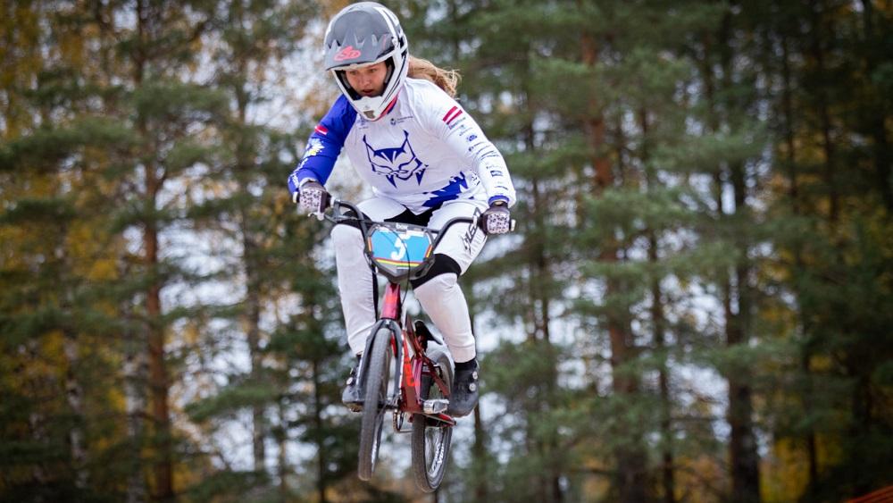 BMX sezonas noslēgumā Smiltenē pulcējas 300 dalībnieku