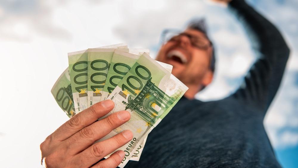 Nevakcinētie bieži izmanto slimības lapas, lai neietu uz darba un saņemtu naudu