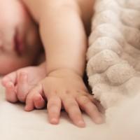Mediķi: vīrusa dēļ mirušas divas grūtnieces, bojā gājuši arī mazuļi
