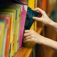 Uz mēnesi tiek aizvērtas bibliotēkas; pieejama tikai digitālā versija
