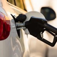 Prognozē, ka augstā degvielas cena saglabāsies arī ziemā